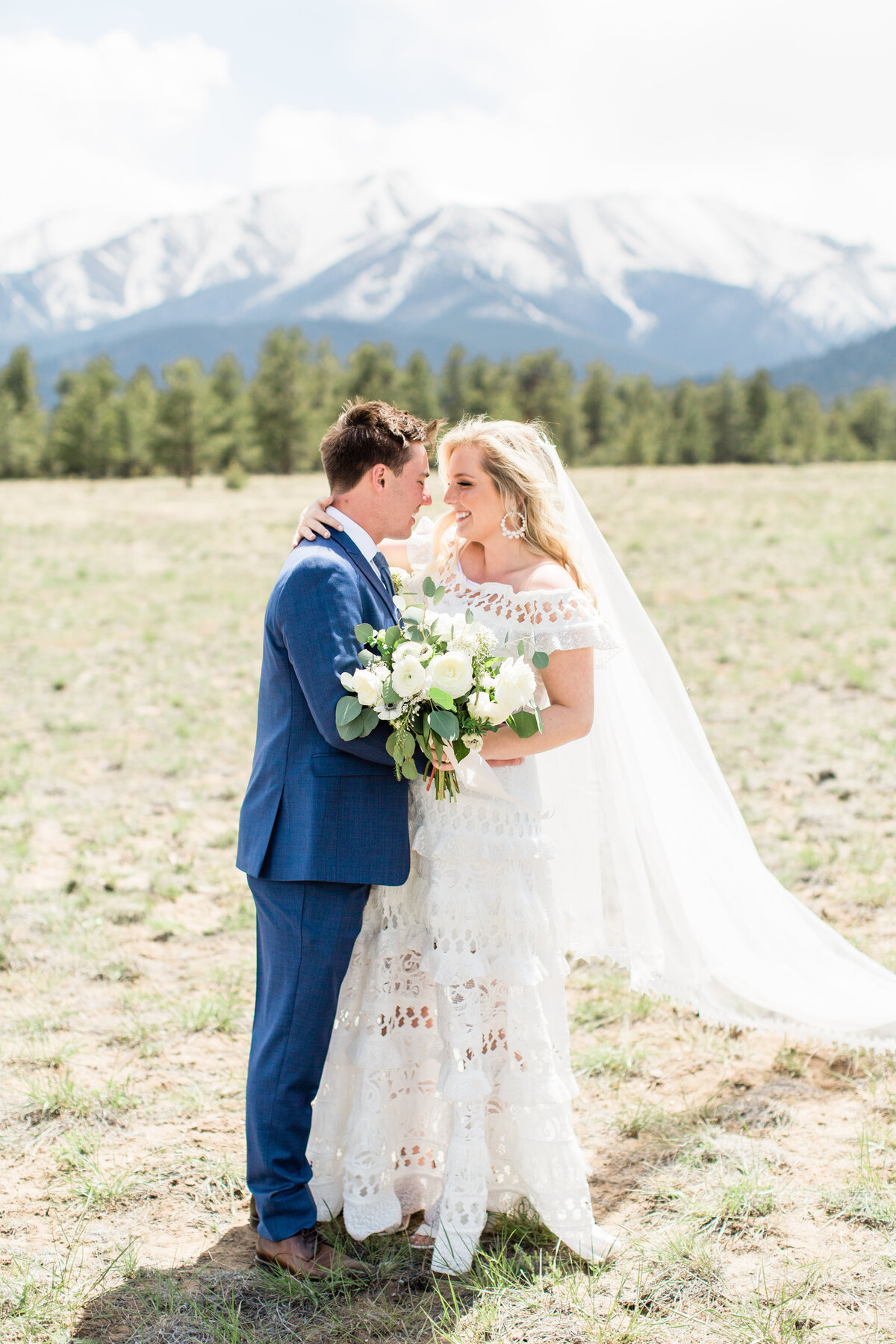 lindsey-taylor-photography-surf-hotel-buena-vista-colorado-destination-wedding-photographer37