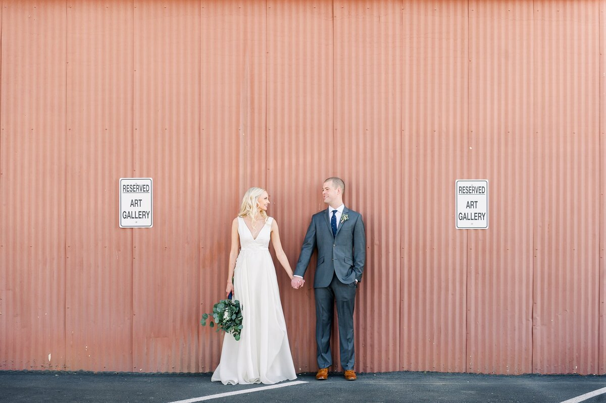 Warehouse-215-wedding-by-Leslie-Ann-Photography-00065