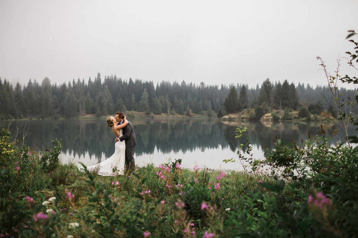 Snoqualmie-Pass-Elopement-Gold-Creek-Pond-43