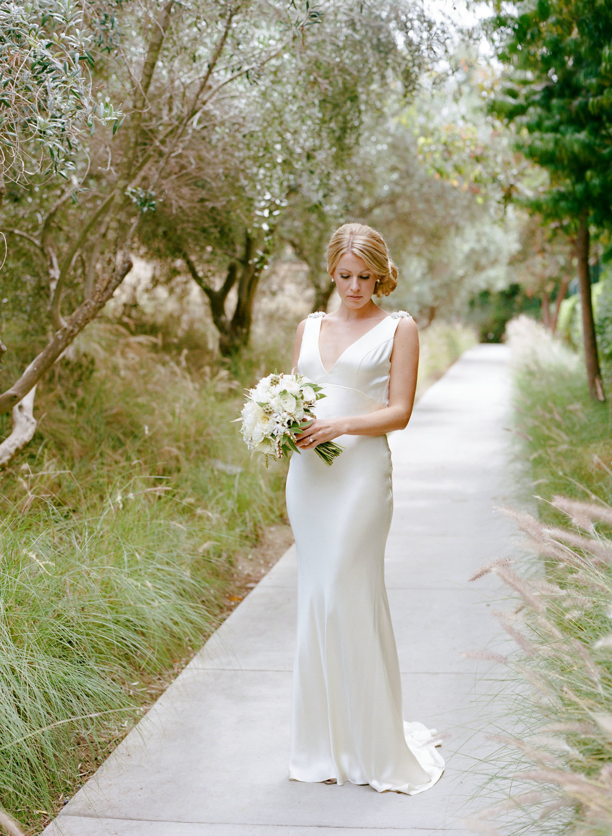 bride_silk_dress