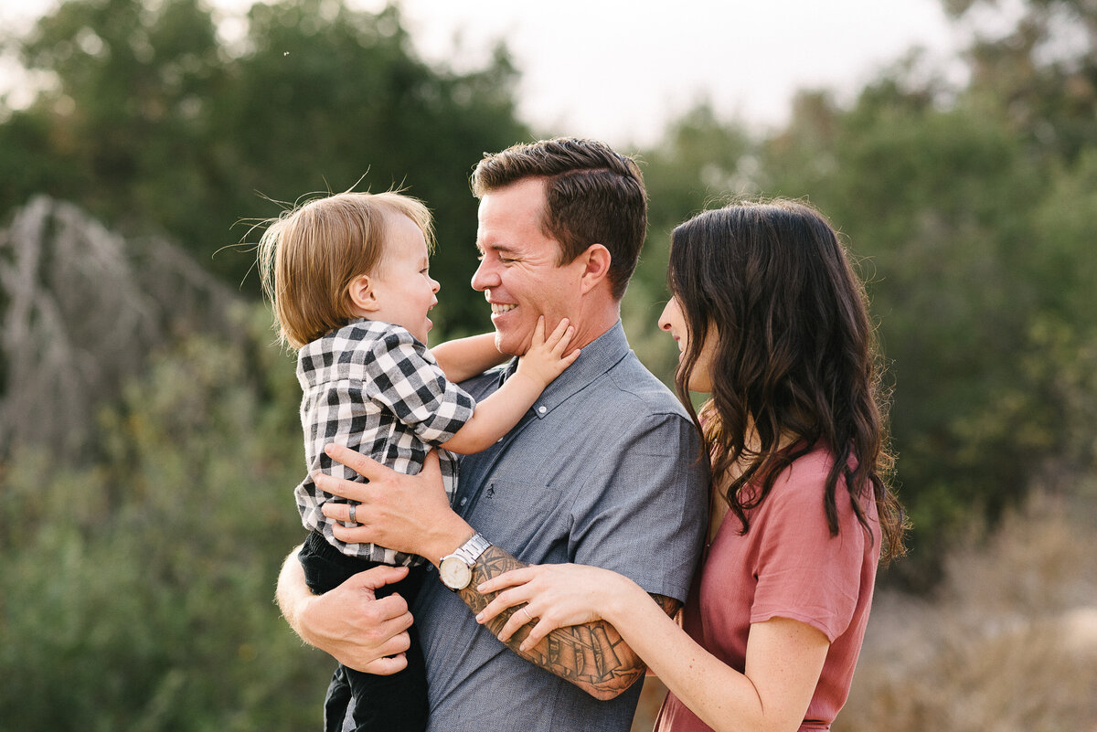 Carlsbad Family Photographer-grab Dads face26