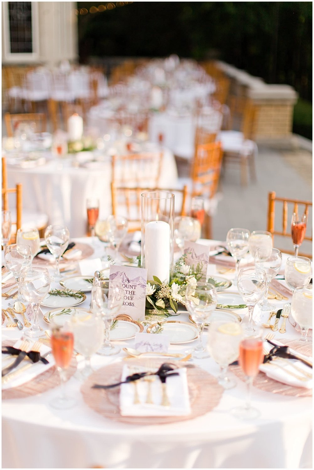 Summer-Outdoor-Terrace-Laurel-Hall-Indianapolis-Wedding-Danielle-Harris-Photography- Jessica-Dum-Wedding-Coordination-photo__0023