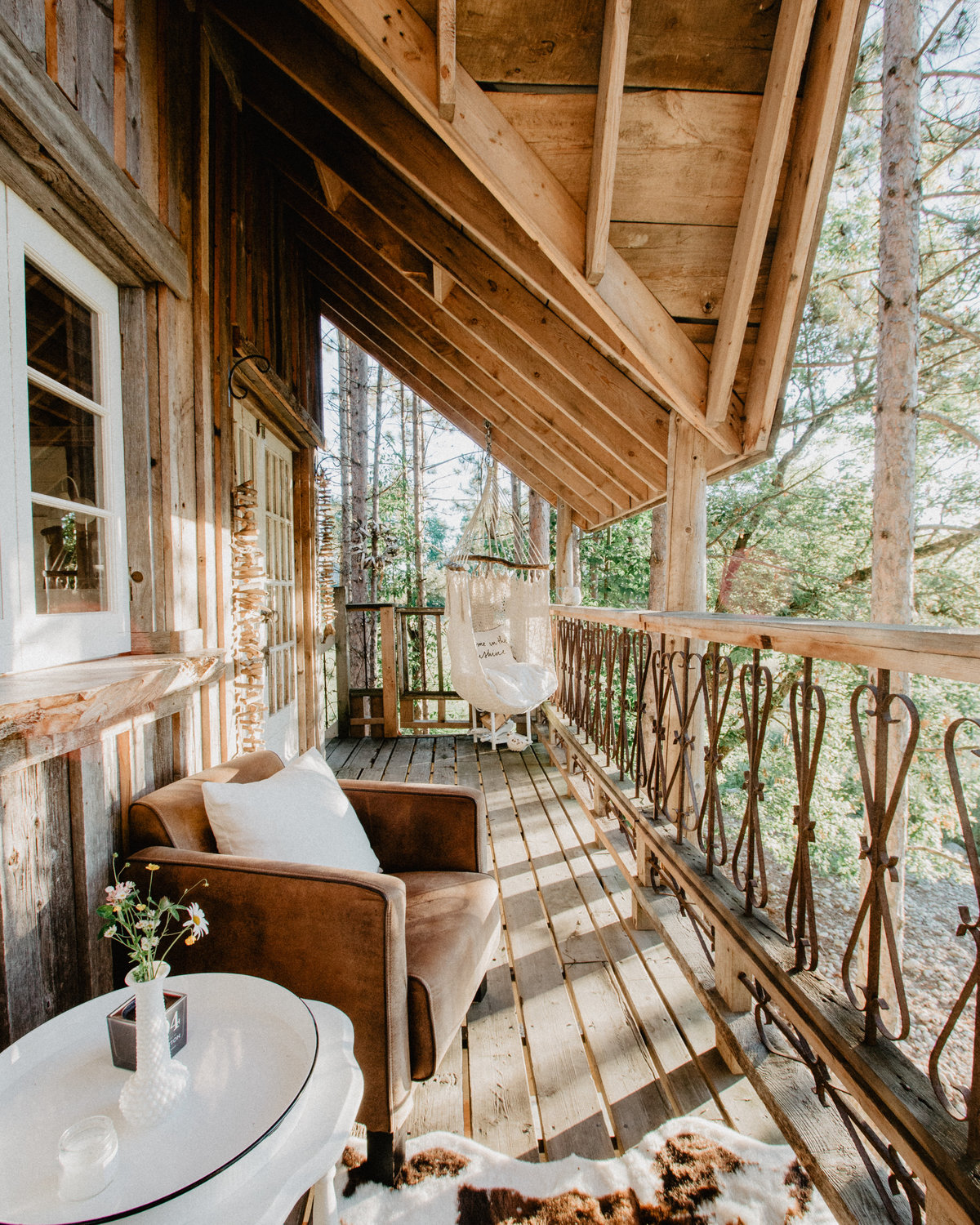 Treehouse and Cabin Retreat12