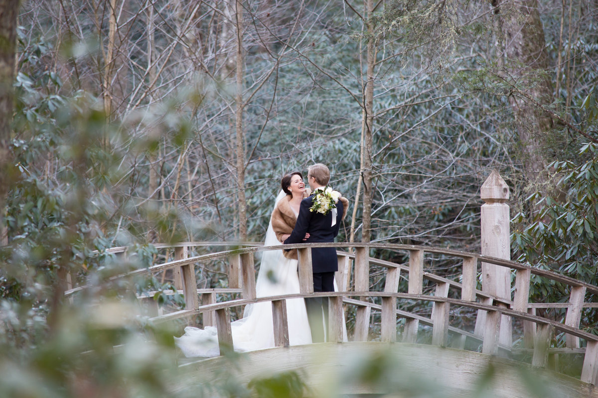 0025_Old-Edwards-Inn-Highlands-NC-Winter-Wedding