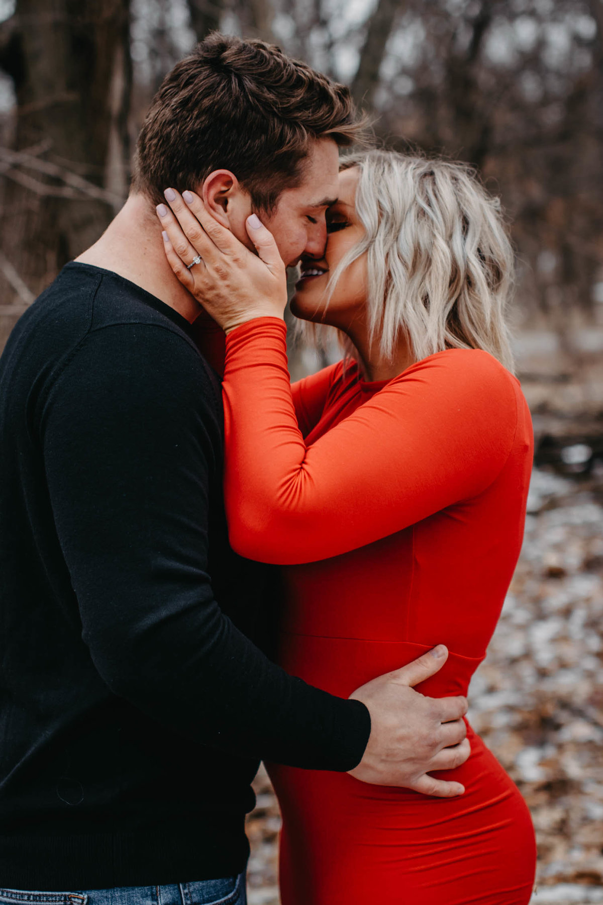 fullersburg-woods-winter-shoot-hinsdale-il-couple-engagement-chicago-9