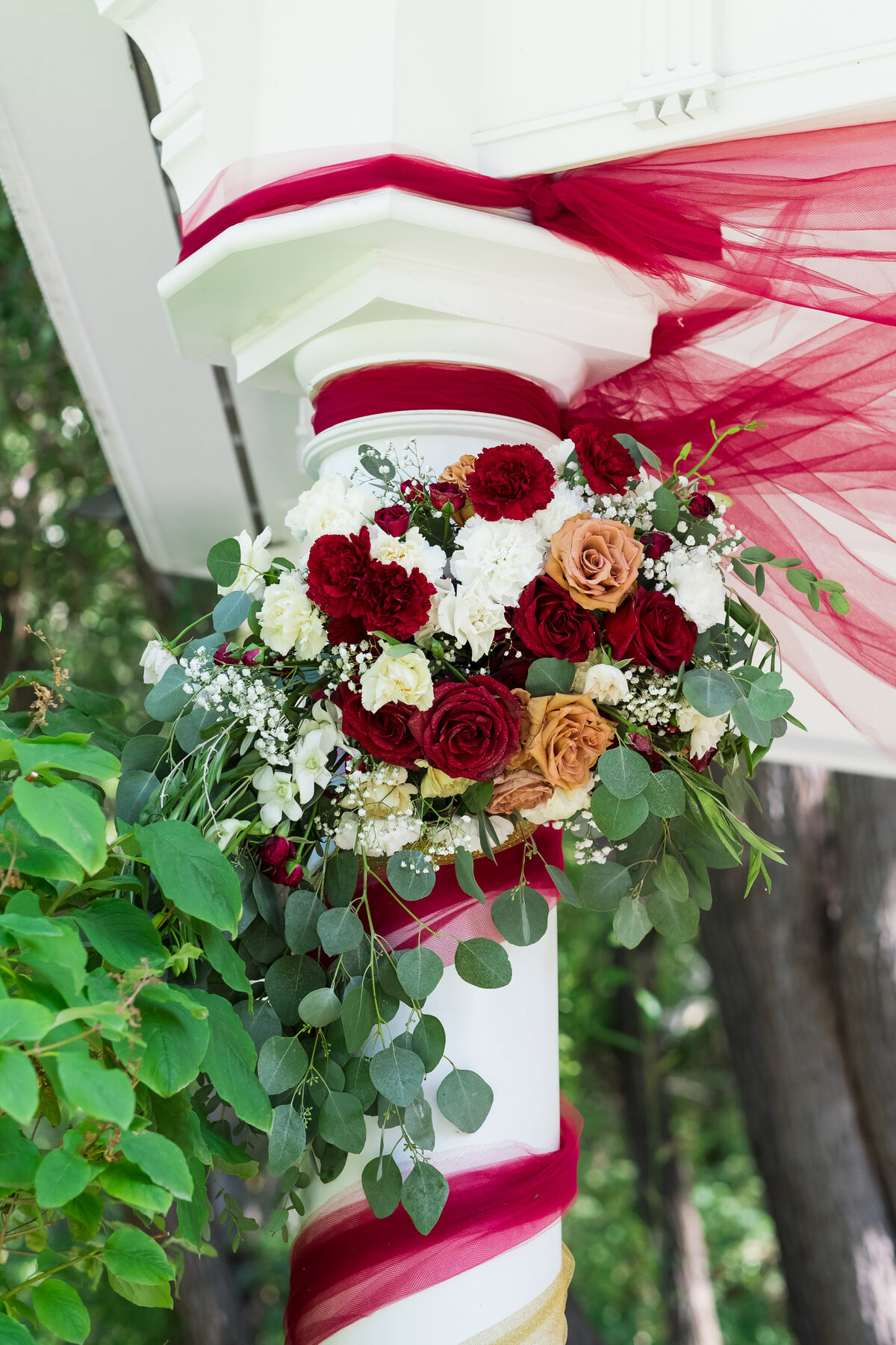 Gazebo wedding, florist, Bend Oregon florist