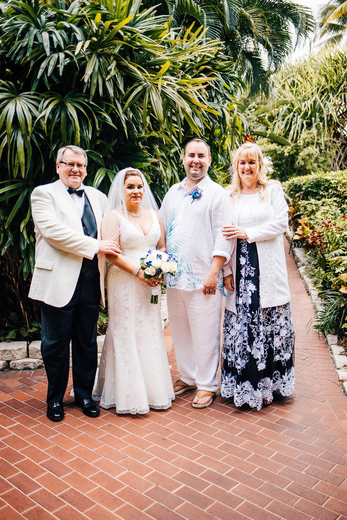 Kimberly_Hoyle_Photography_Bachman_Pier_House_Key_West_Wedding-24