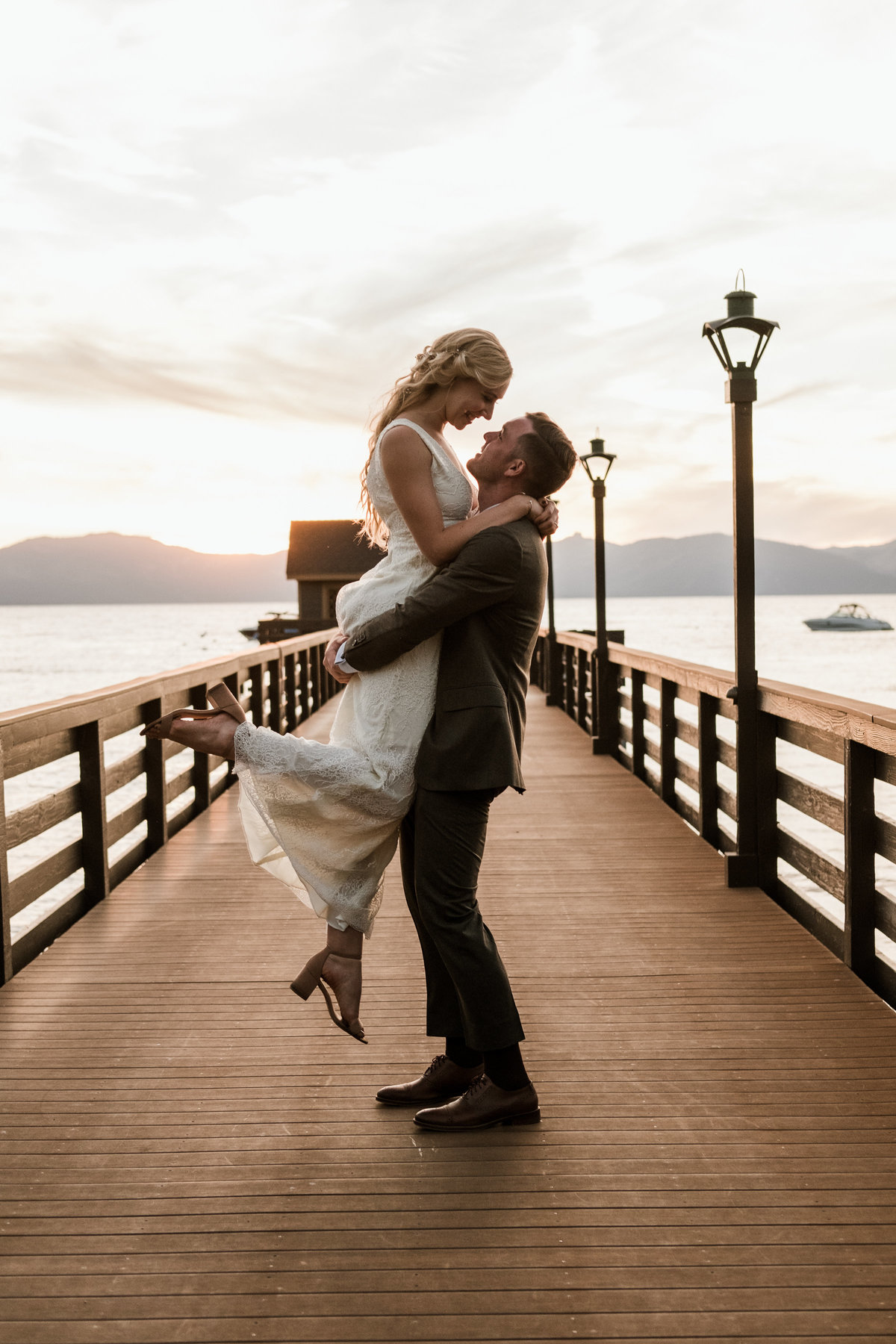 Minimal-Lake-Tahoe-Wedding-Fine-Art-Destination-Photographer-Andi-Artigue-1
