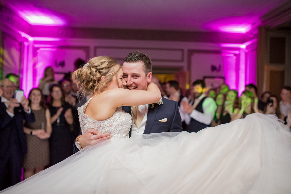 natural first dance photo at langodn court wedding in wembury
