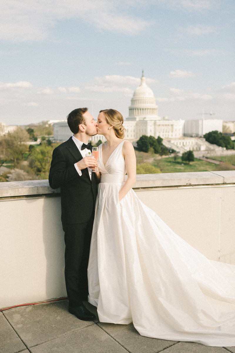 bride-groom-kissing-us-capitol-101-constitution-dc-liz-fogarty