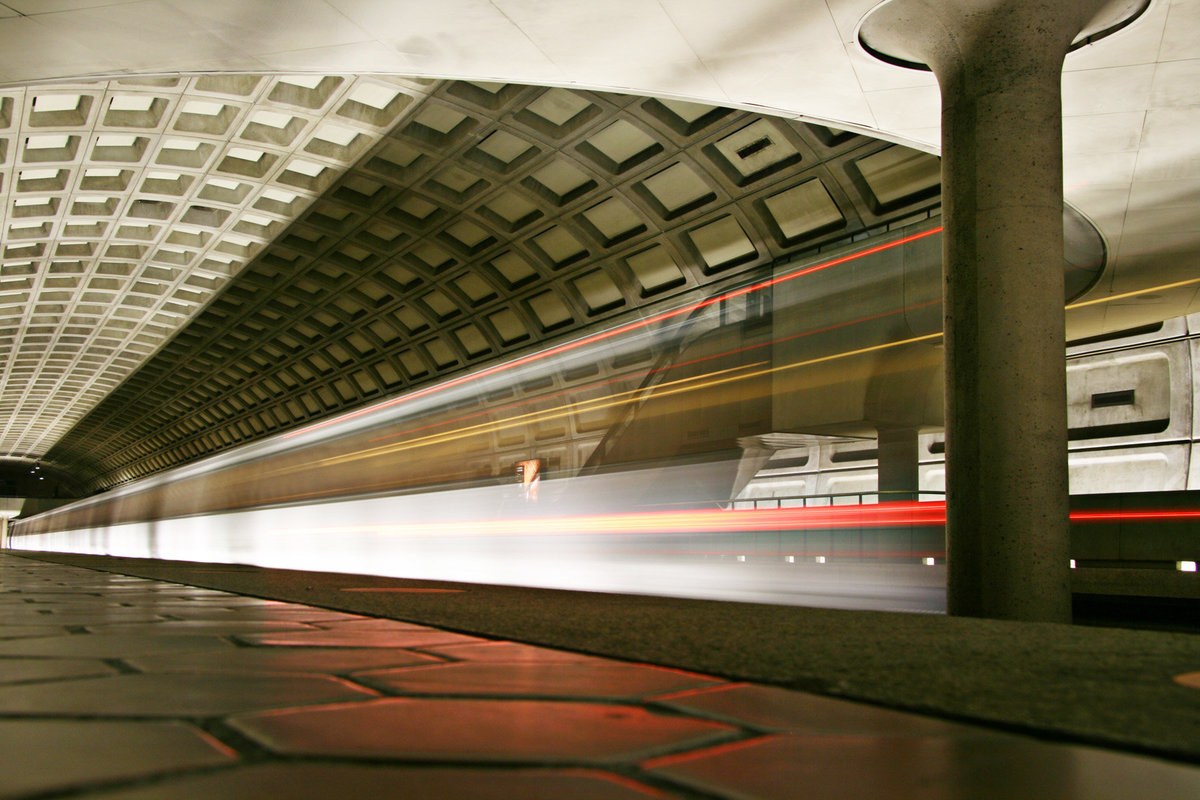 DC_metro_trainlow01_8x12
