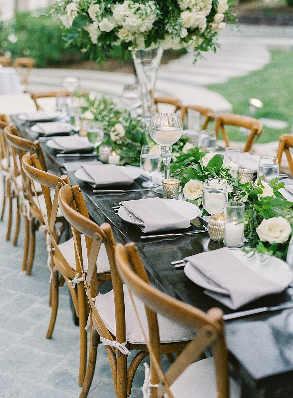 Posh Peony Newhall Mansion Piru Lush White Floral and Greenery Wedding_0001