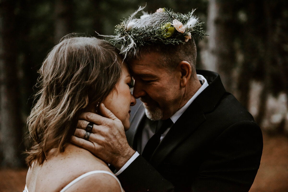 suttle-lake-sisters-oregon-lodge-woods-vow-renewal-photographer-wedding-elopement-3171