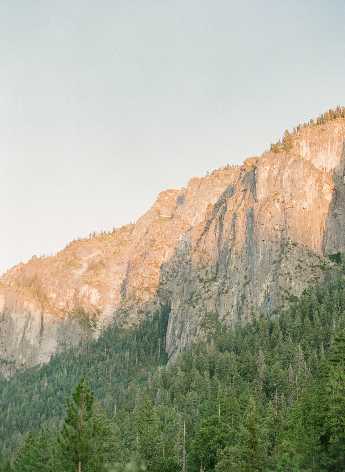 6-KTMerry-destination-engagement-photography-Yosemite-cliffside