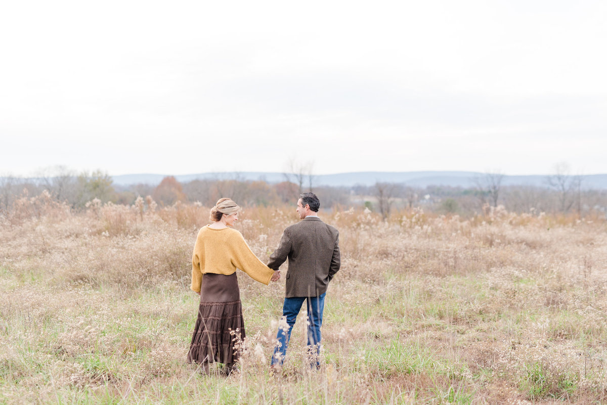 barns-at-hamilton-station-virginia-winery-vineyards-engagement-photo