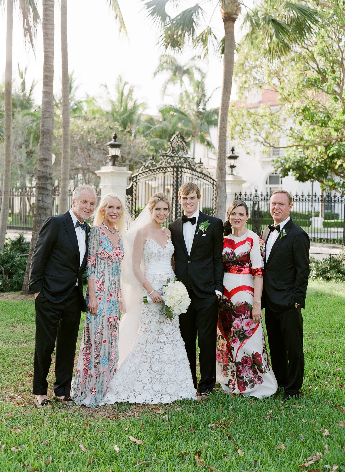 31-KTMerry-weddings-family-portrait-Palm-Beach