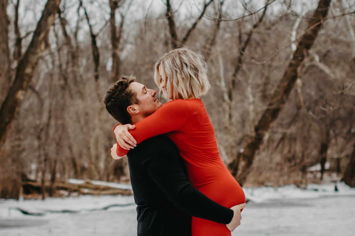 fullersburg-woods-winter-shoot-hinsdale-il-couple-engagement-chicago-96