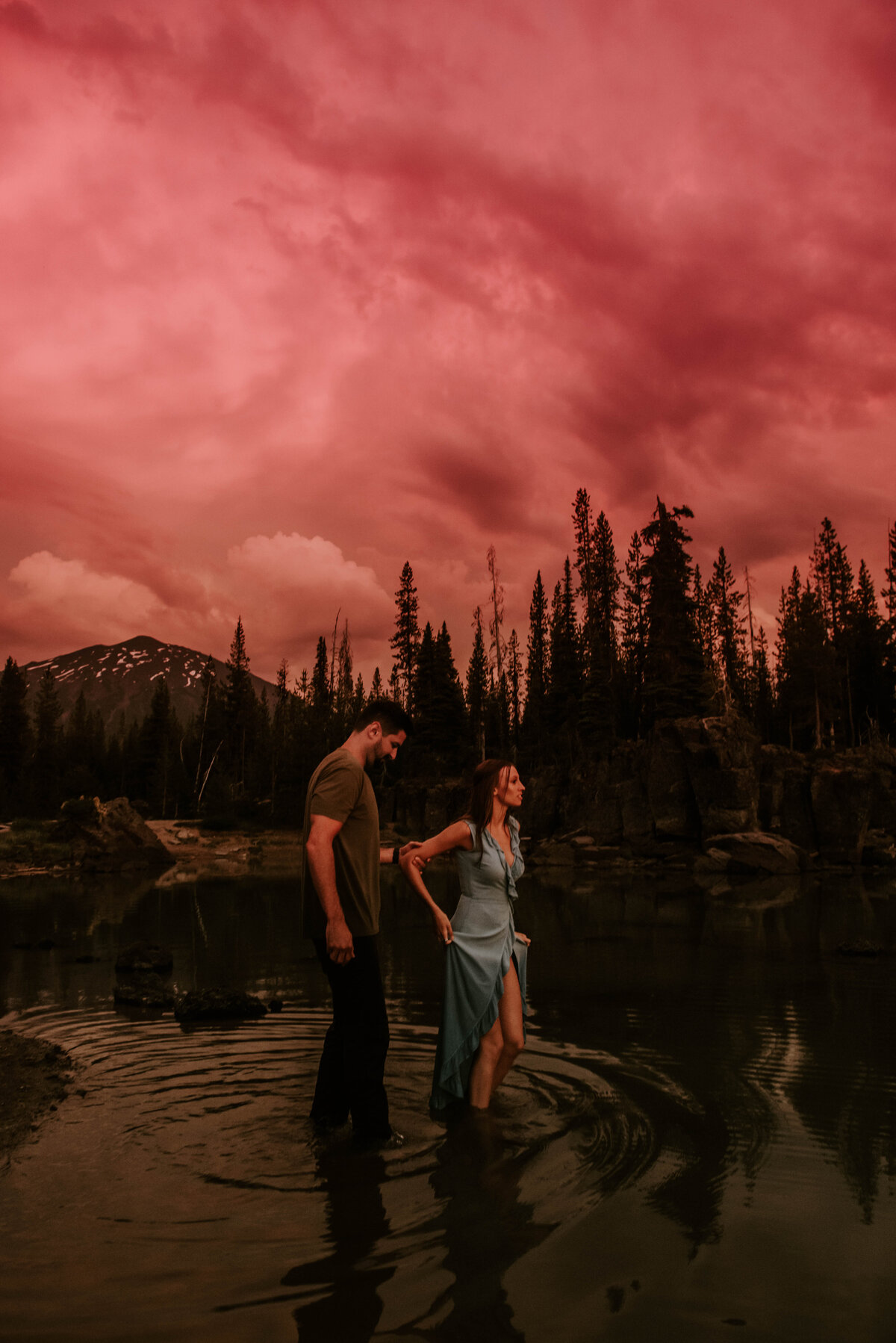 sparks-lake-oregon-couple-photographer-elopement-bend-lakes-bachelor-sisters-sunset-6422