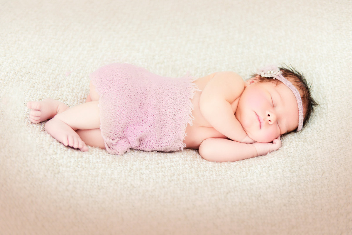 portrait photography for newborn babies in traverse city