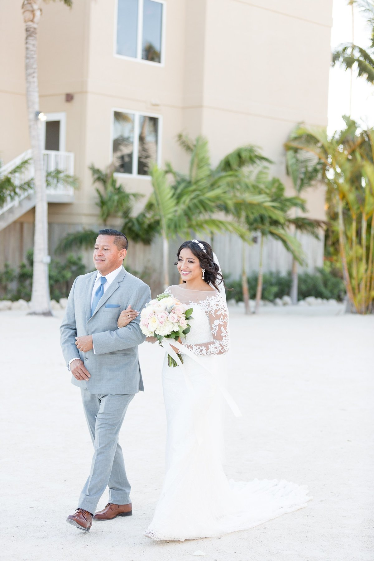 cheeca-lodge-islamorada-Florida-estate-wedding-bride-chris-sosa-photography-2