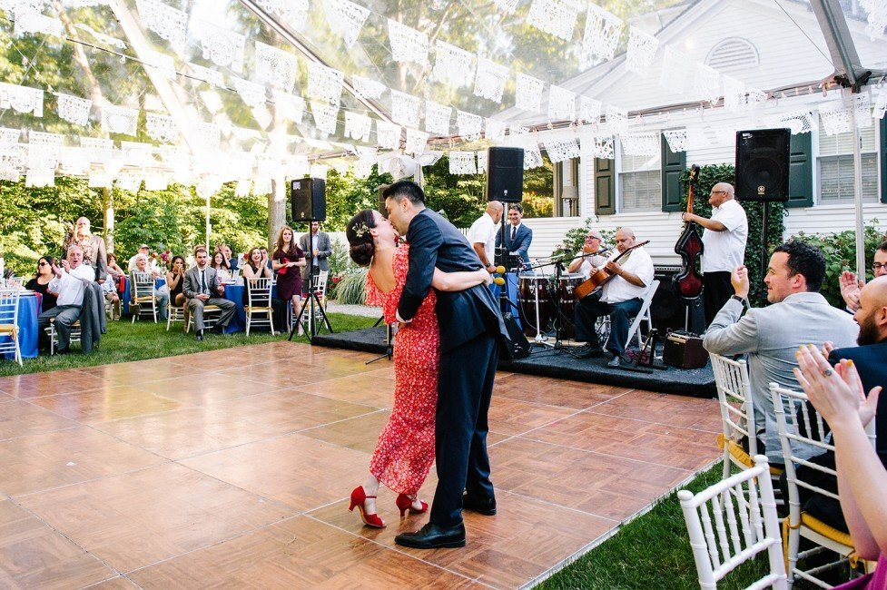 769-colorful-fiesta-backyard-wedding-ct-wedding-planner-977x650