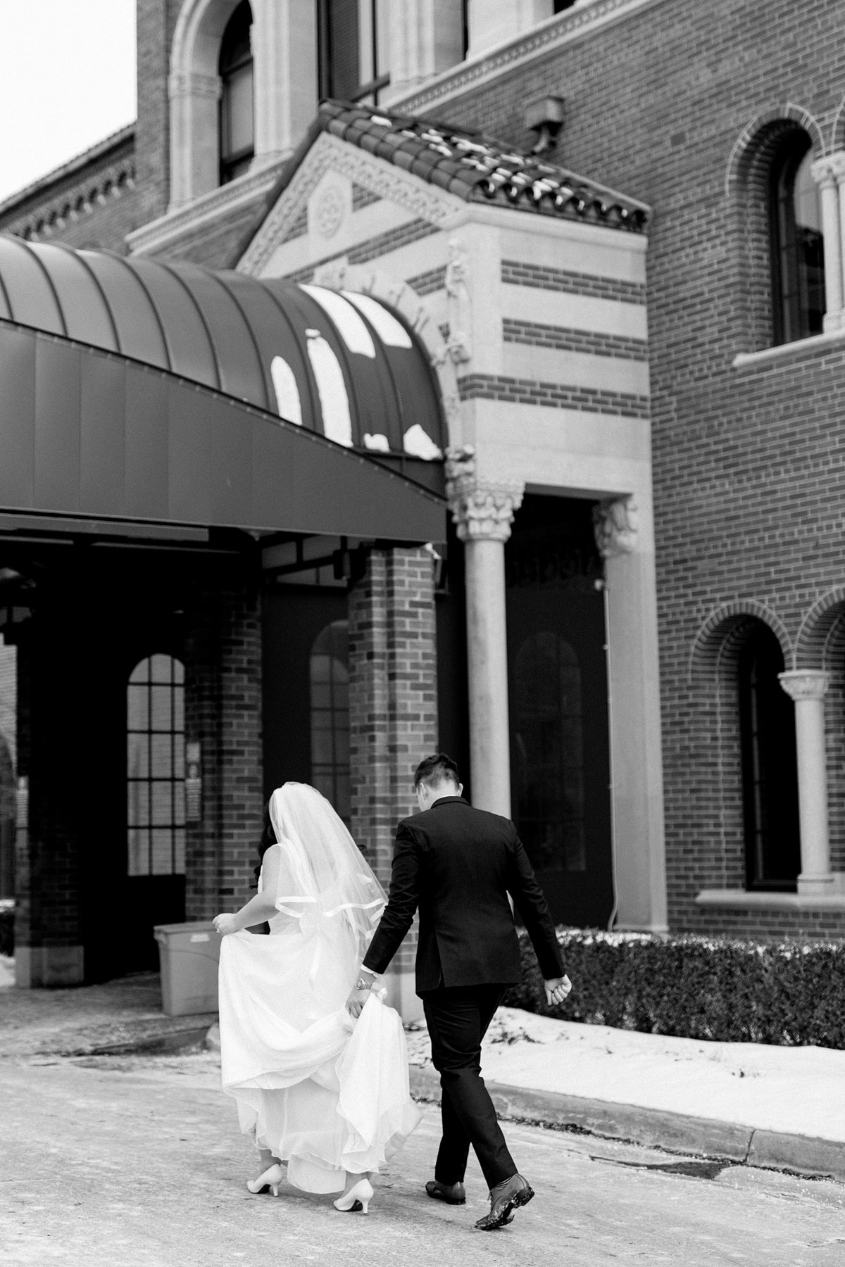 Rachel-Matt-Inn-at-St-Johns-Wedding-Michigan-Breanne-Rochelle-Photography100