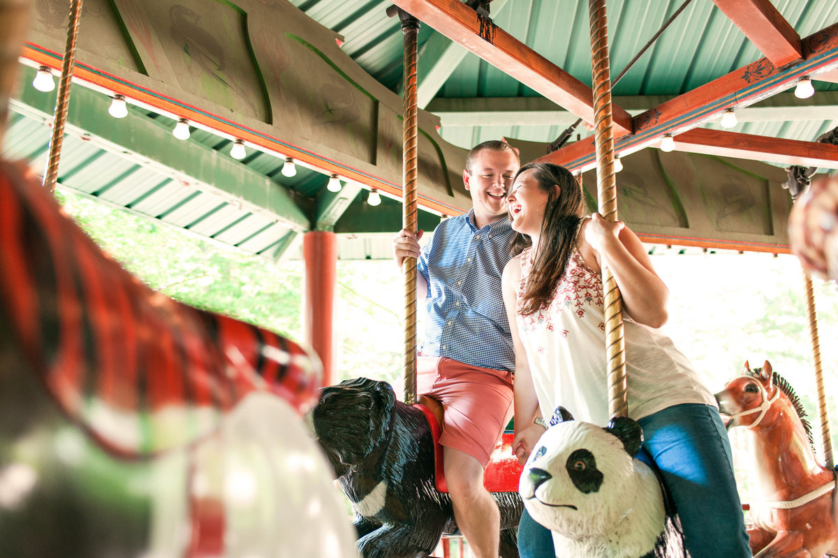 memphis zoo carousel engagement session