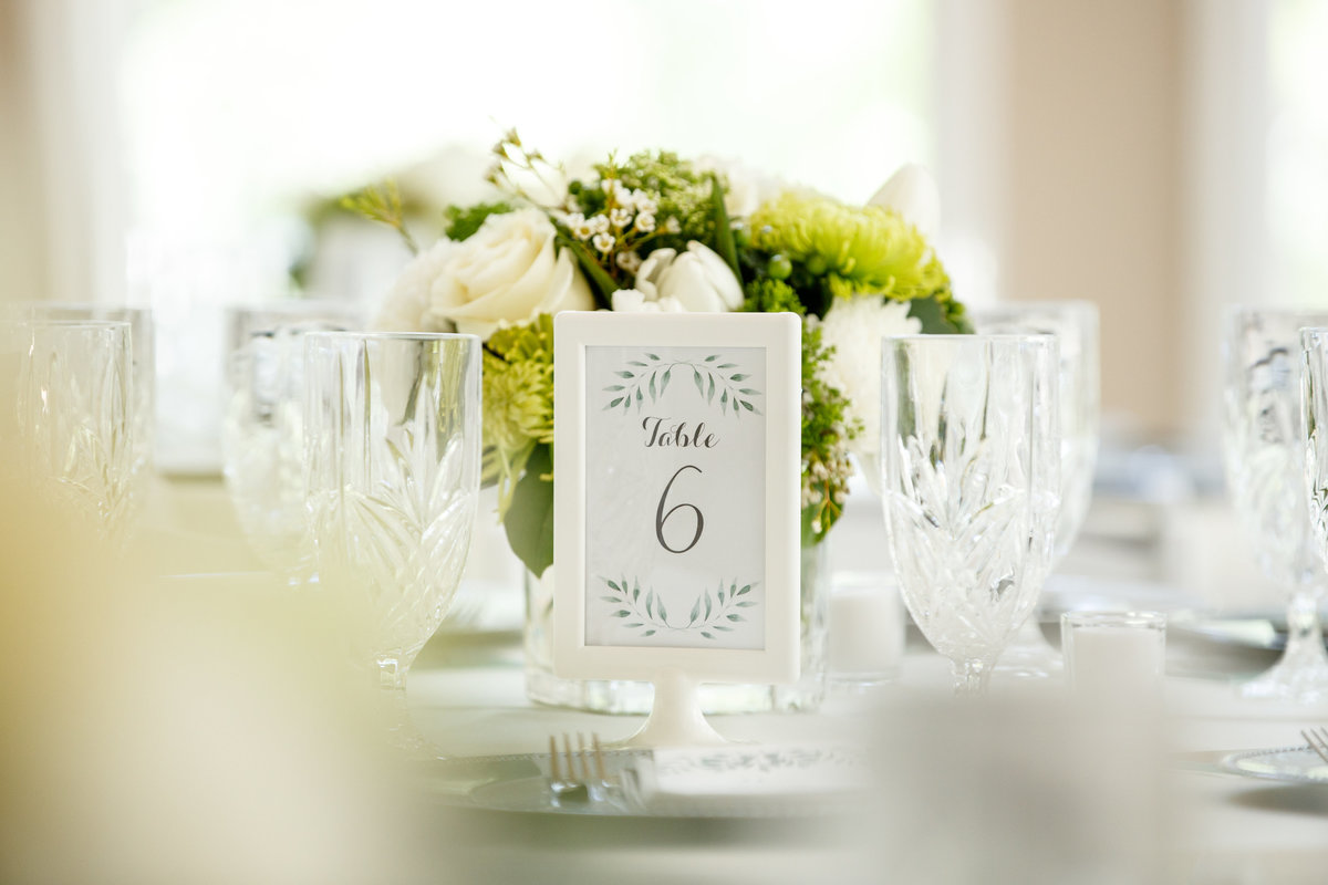 Austin wedding photographer casa blanca on brushy creek table decor