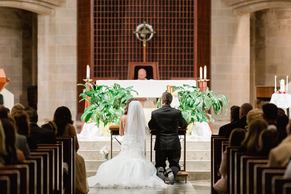 Katelyn-Matt-Downtown-Detroit-Cathedral-Most-Blessed-Sacrament-Wedding-Breanne-Rochelle-Photography42