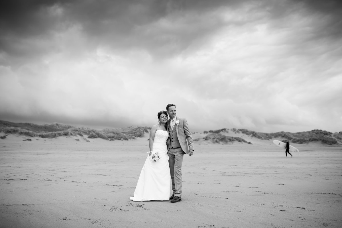 wedding photo with surfer in north devon