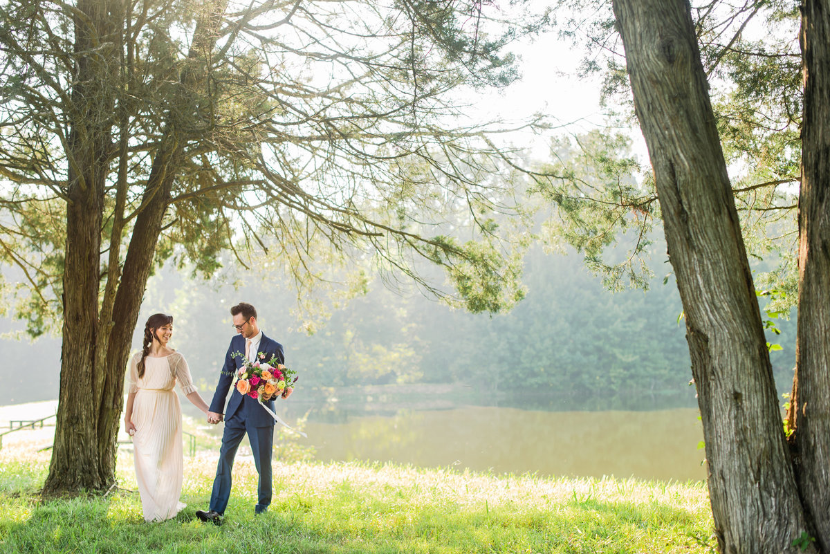 memphis tn estate strolling wedding photo