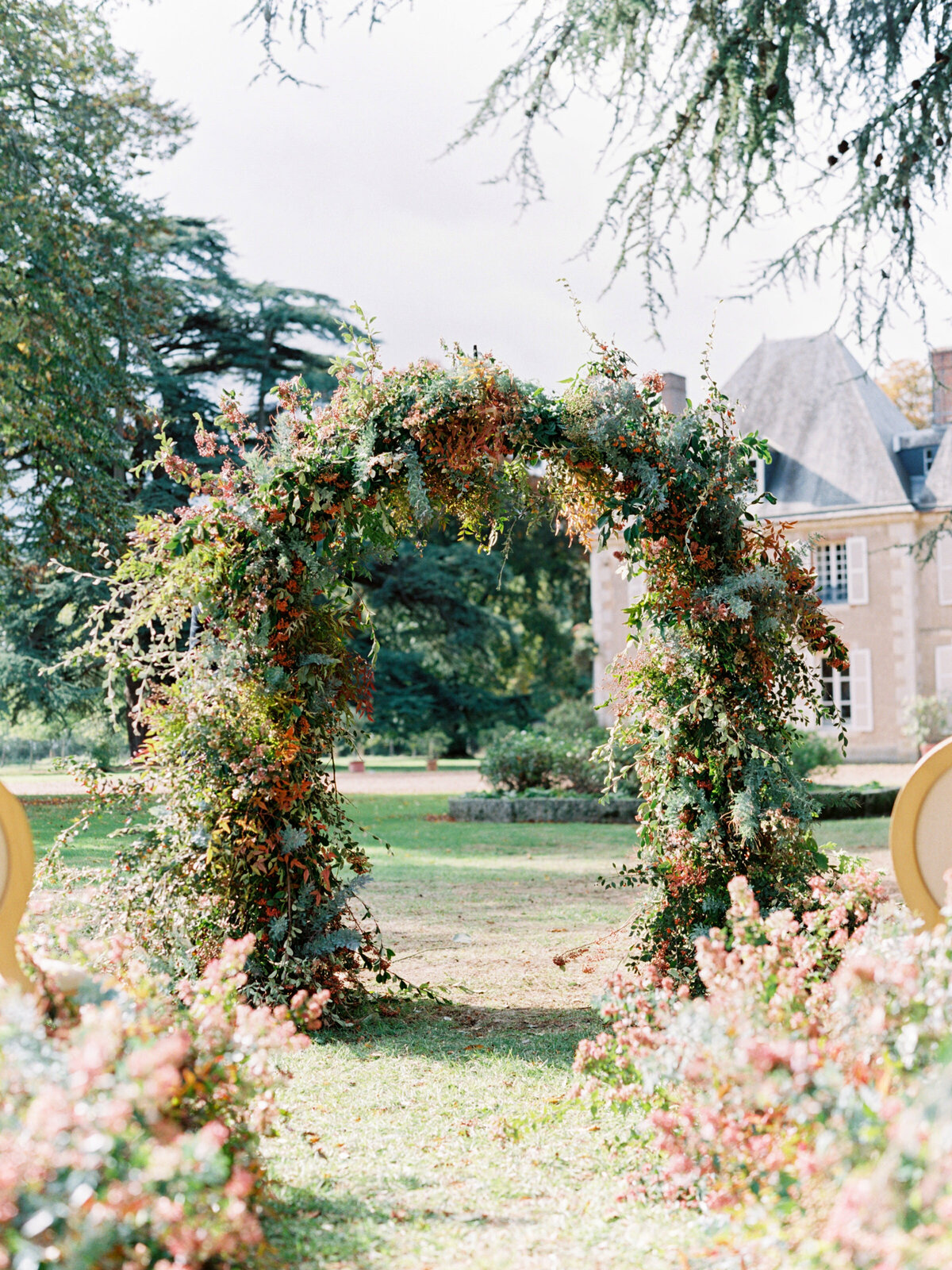 chateau-bouthonvilliers-wedding-paris-wedding-photographer-mackenzie-reiter-photography-63