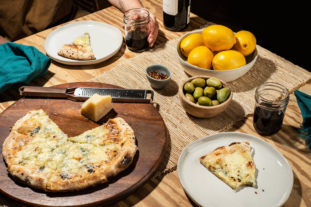 los-angeles-food-photographer-lindsay-kreighbaum-talia-di-napoli-pizza-3