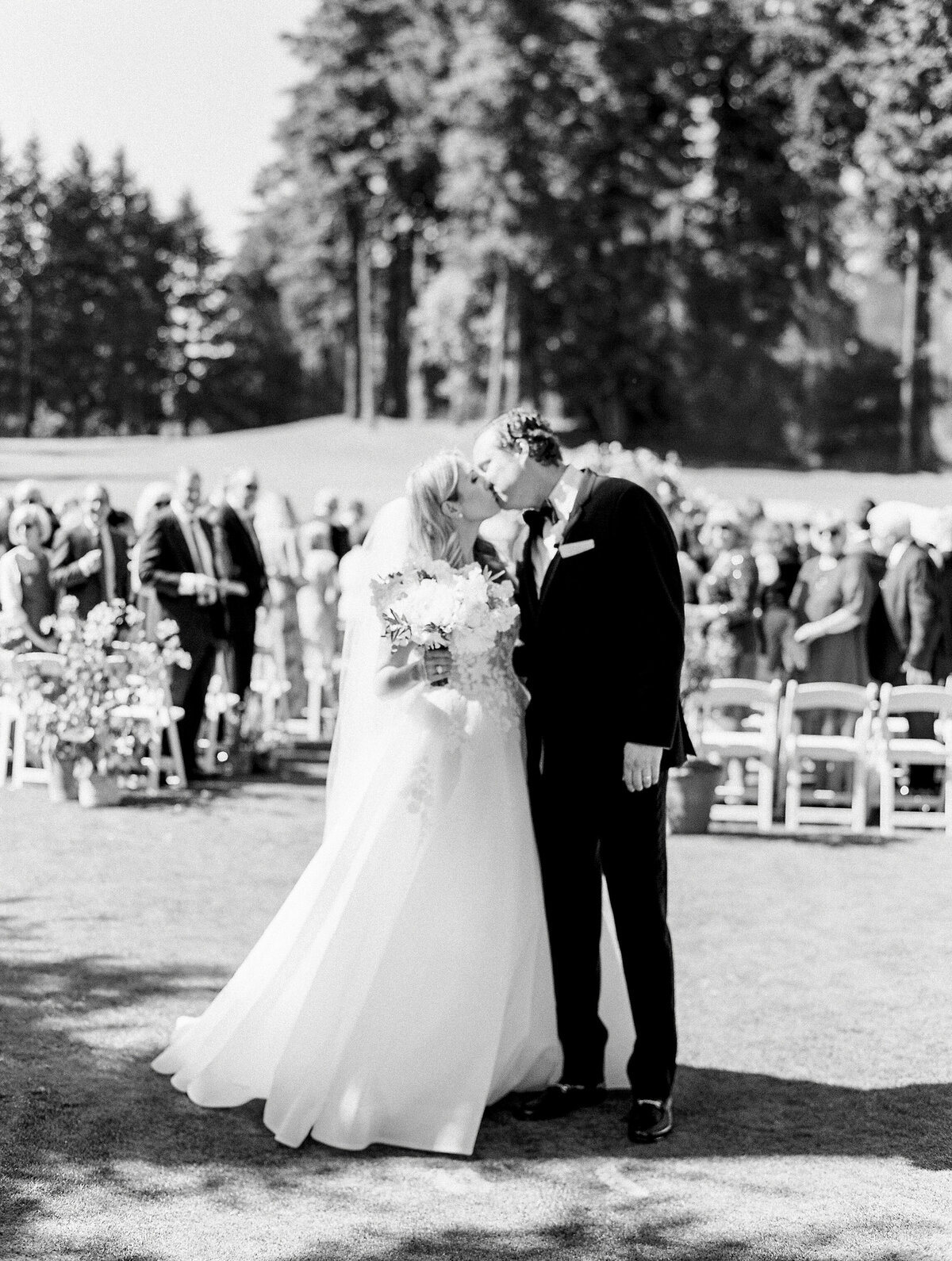 oswego-lake-country-club-wedding-27