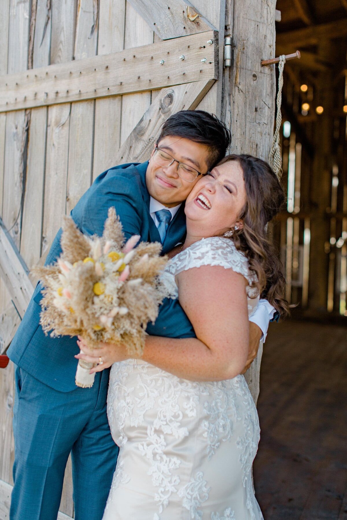 laura-ben-campbell-farm-white-lake-wedding-grey-loft-studio-2020-106