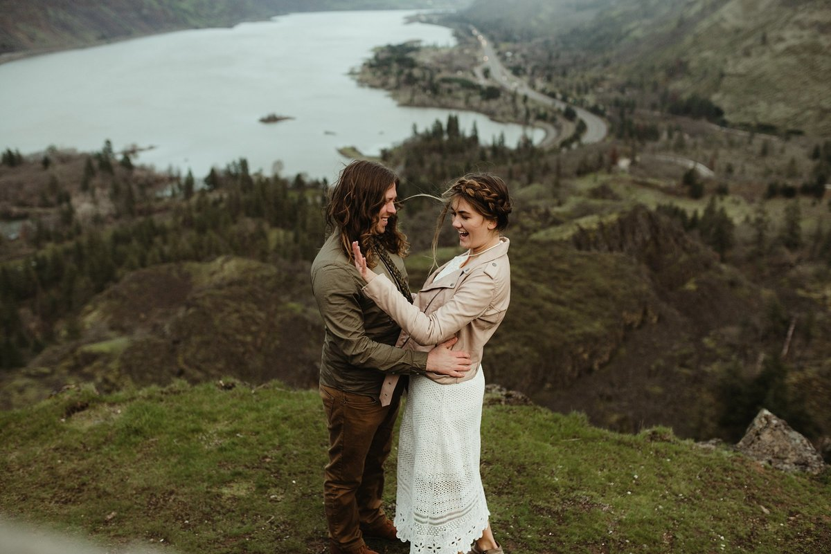 Portland-oregon-elopement-photographers