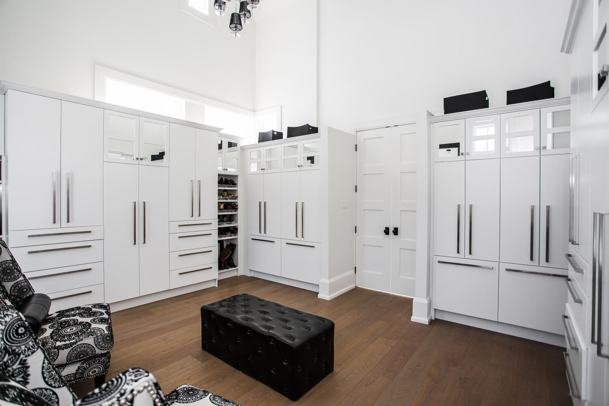 riverside-door-and-trim-closet