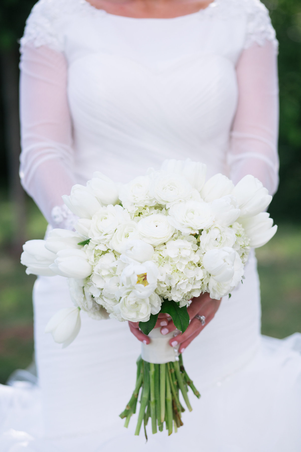 White wedding bouquet Sacramento CA