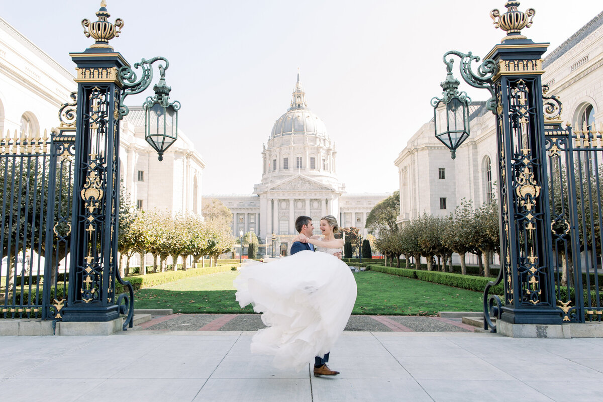 Best_San_Francisco_City_Hall_Wedding_photographer-022