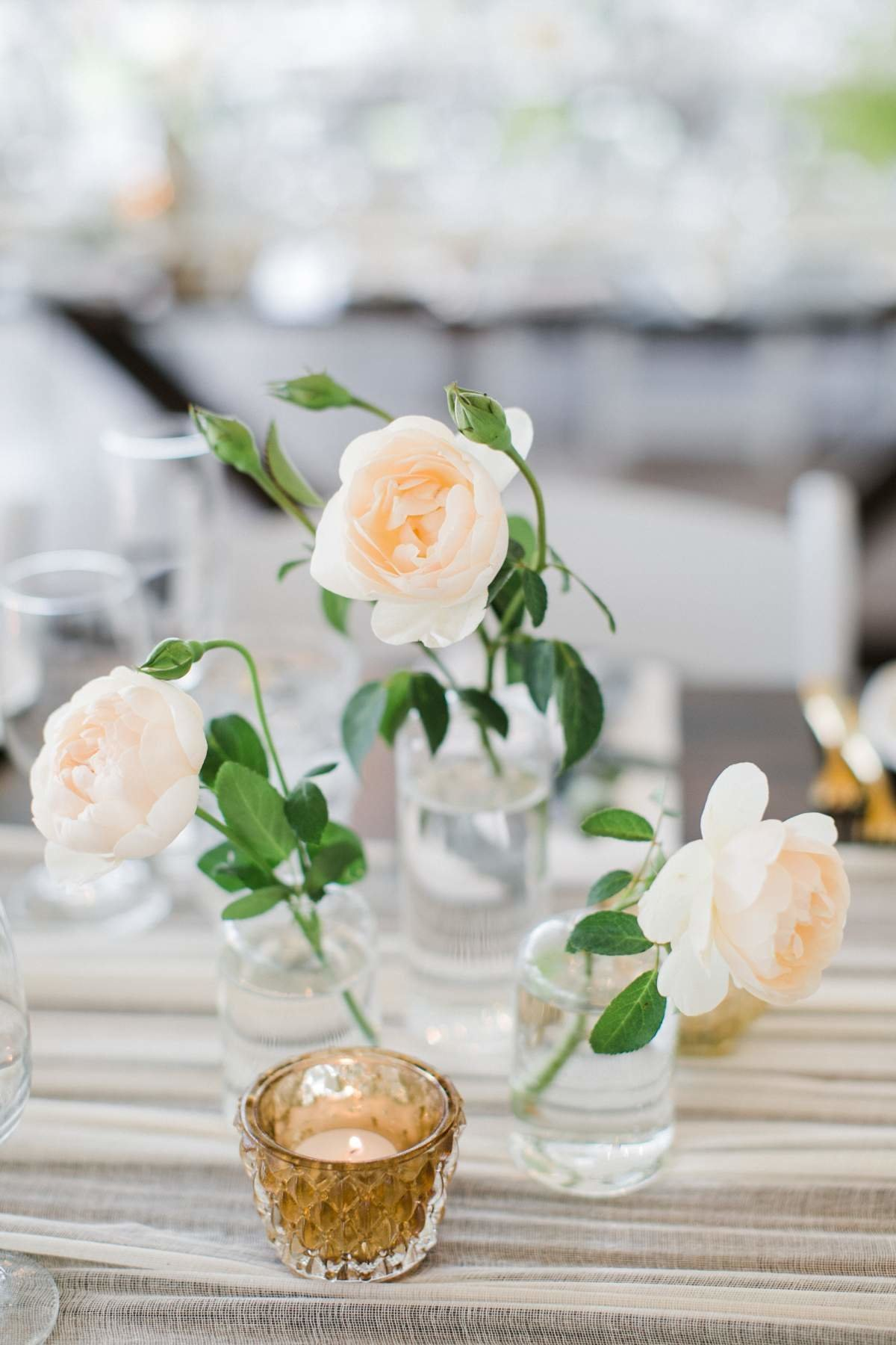 michigan-wedding-white-and-gold-decor