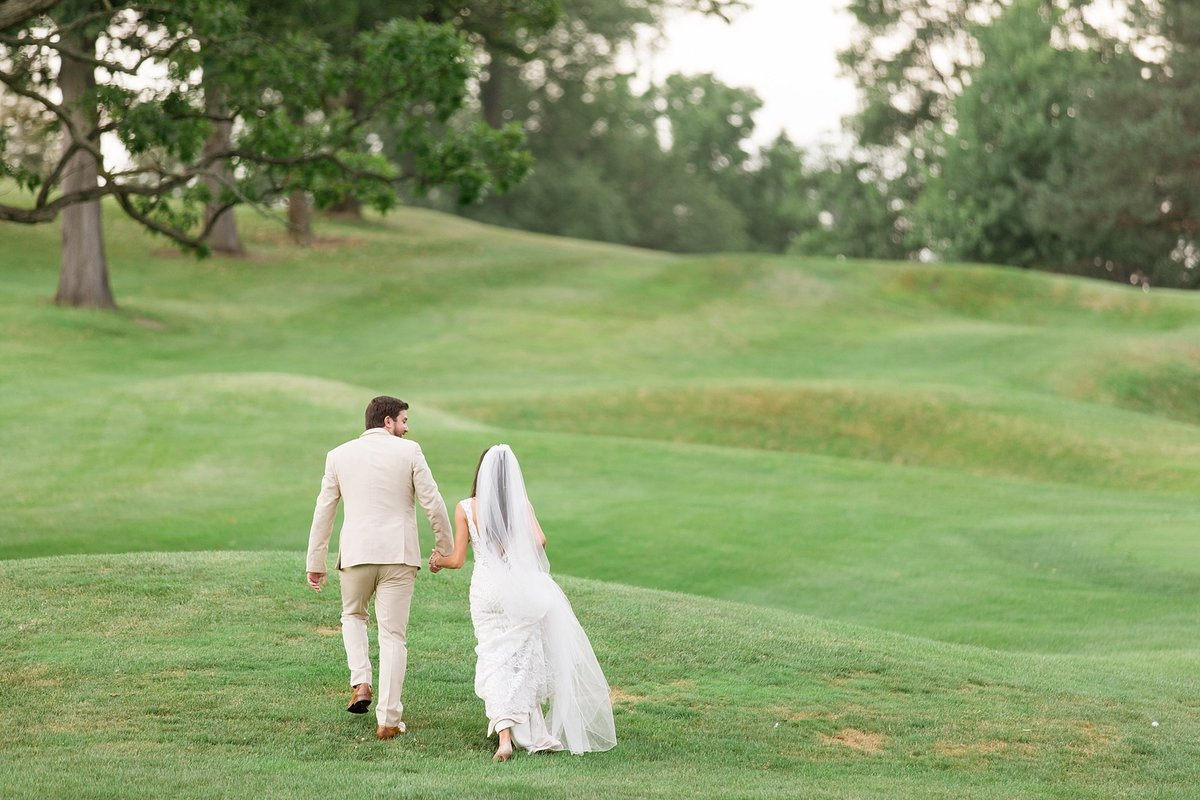 Lauren-Nate-Paint-Creek-Country-Club-Wedding-Michigan-Breanne-Rochelle-Photography109