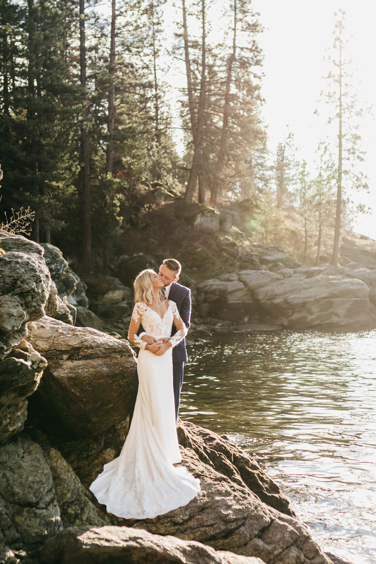 Beautiful Wedding at Tubbs Hill in Coeur d'Alene Idaho - Clara Jay Photo_-2