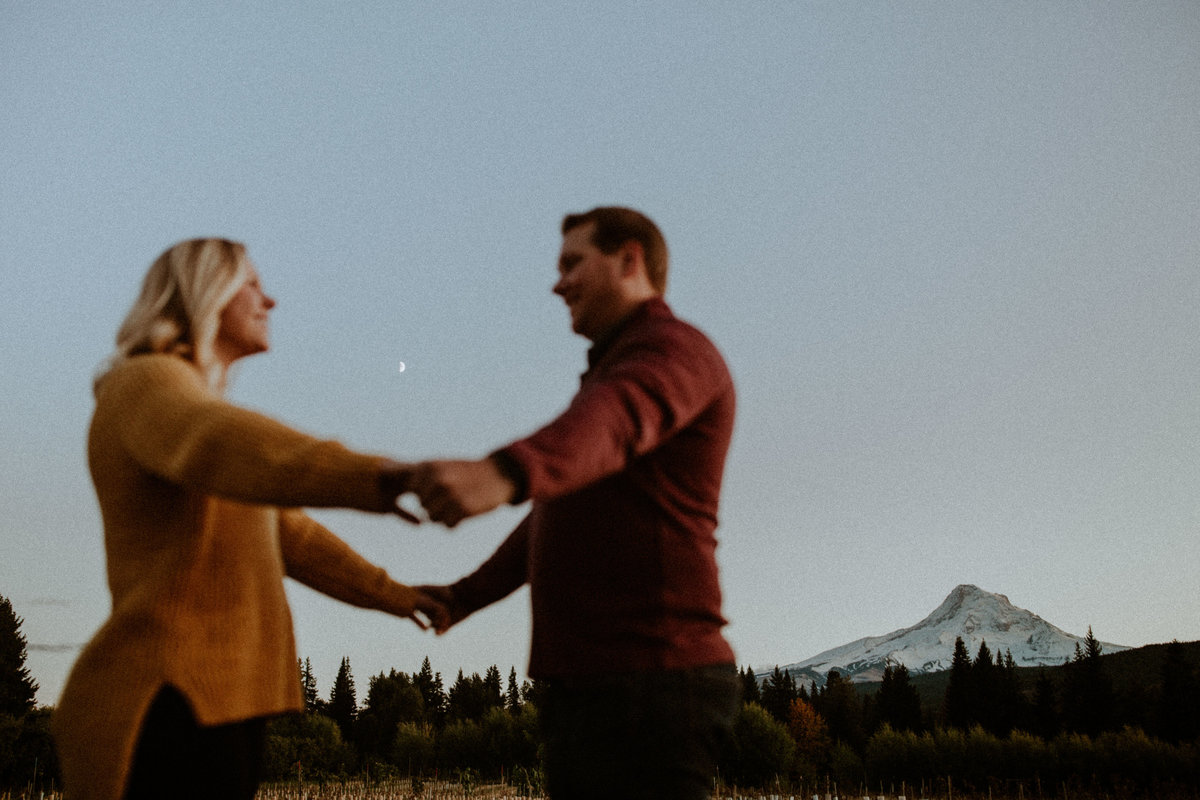 Oregon-Orchards-Engagment-photos-16