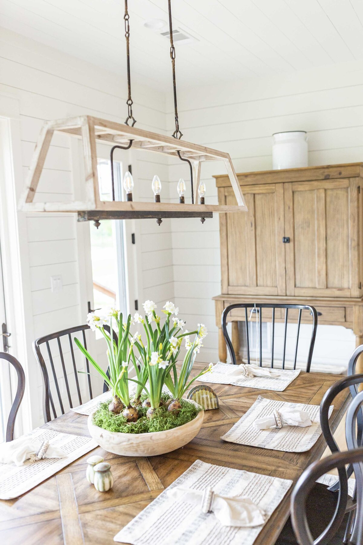 kitchen-dining-room-decor-inspiration-wood-decor1