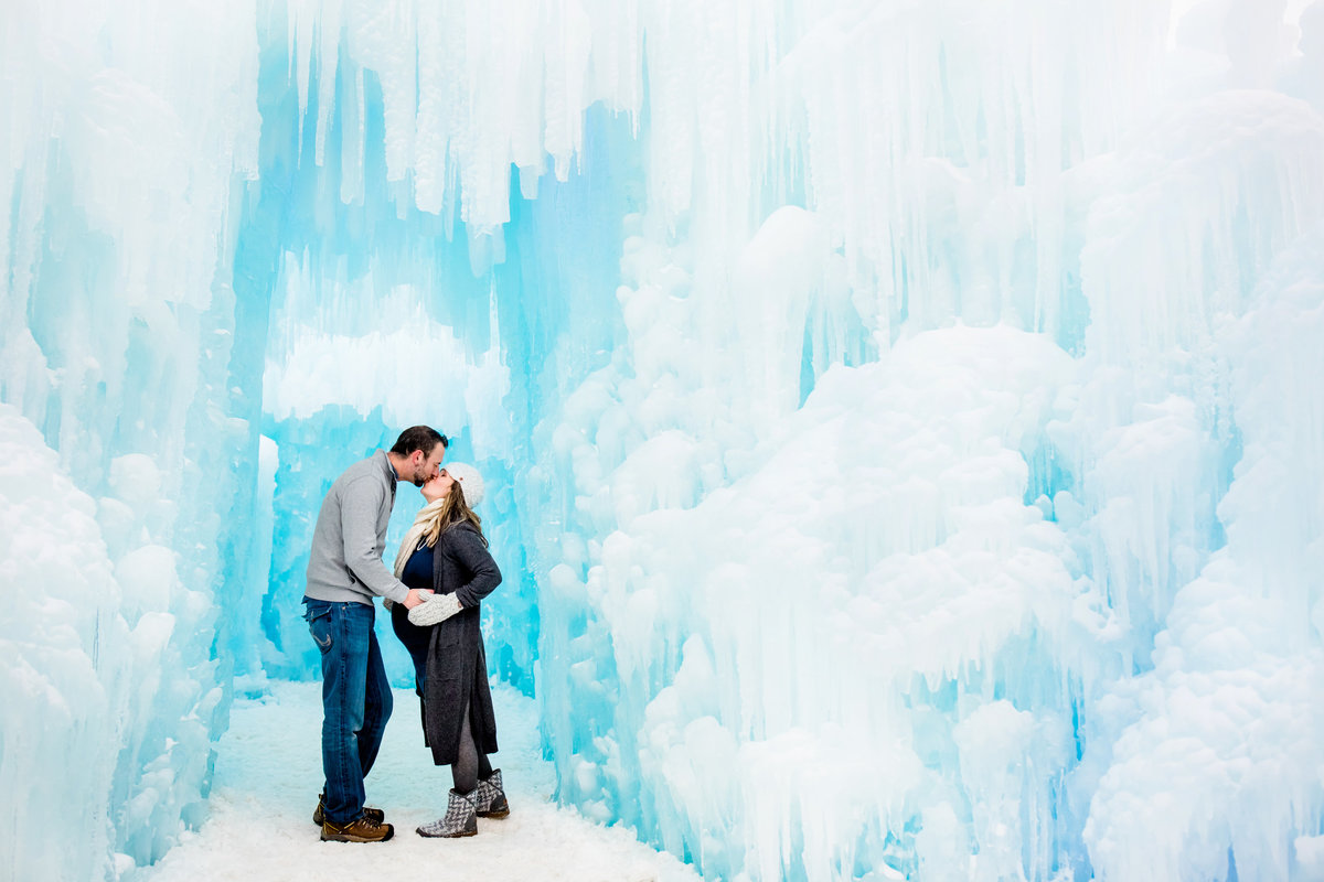 ice-castles-colorado-portraits