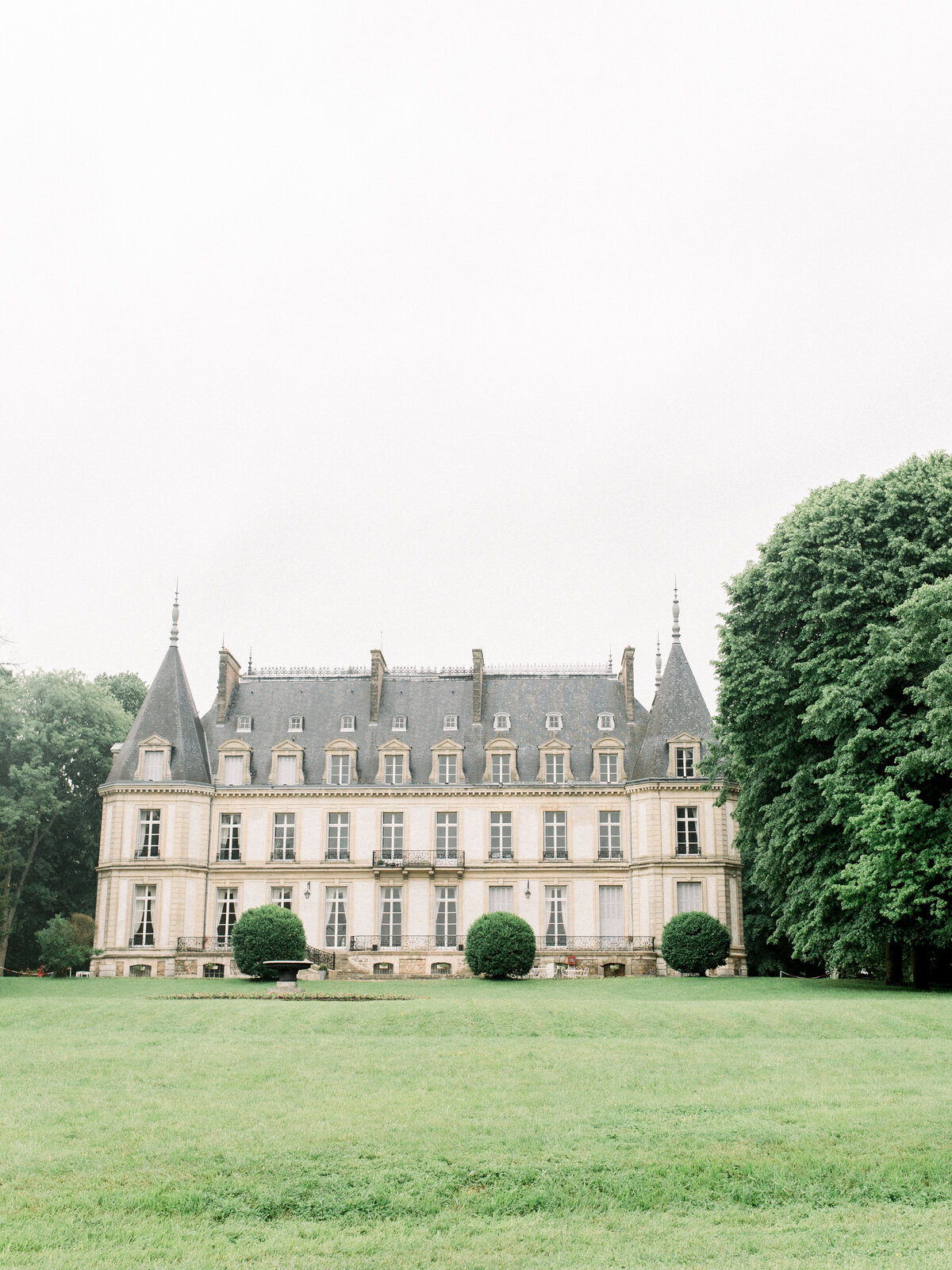 Chateau-Santeny_Michelle Wever Photography-49