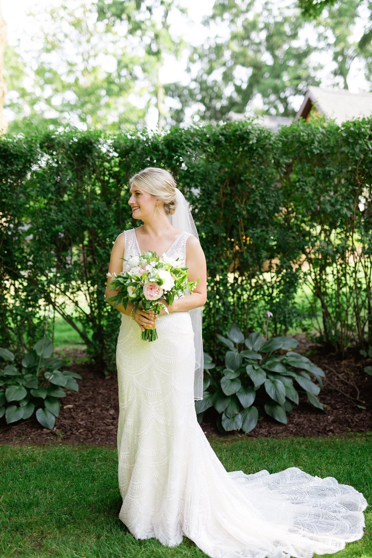 Julie-Barry-English-Inn-Summer-Garden-Wedding-Michigan-Breanne-Rochelle-Photography36