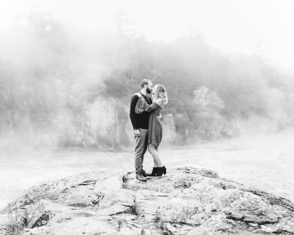 Taylors-Falls-Minneapolis-Fall-Engagement-2