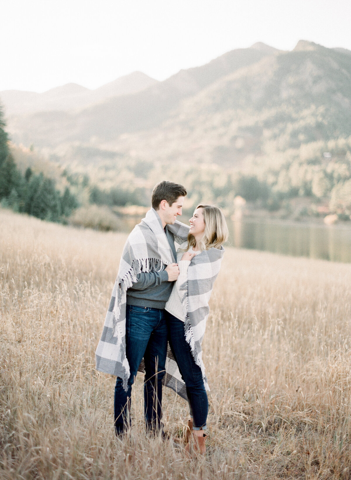 Melissa Brielle Photography Colorado Fine Art Wedding Engagement Photographer Photograph Melissa Minkner Light Airy Luxury High End16