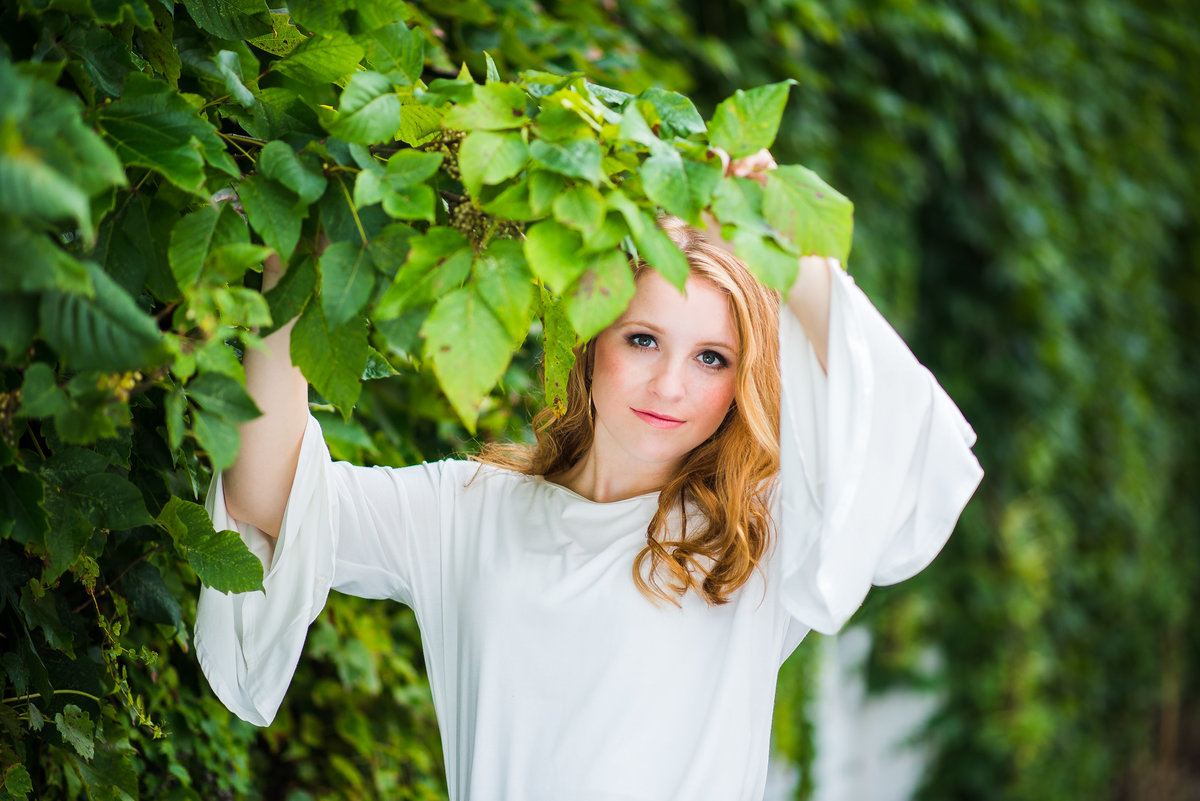 Senior Session in the Vines